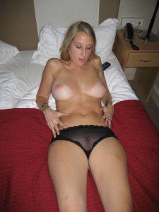Exfreundin Nacktfoto Mit Durchsichtigem Sli