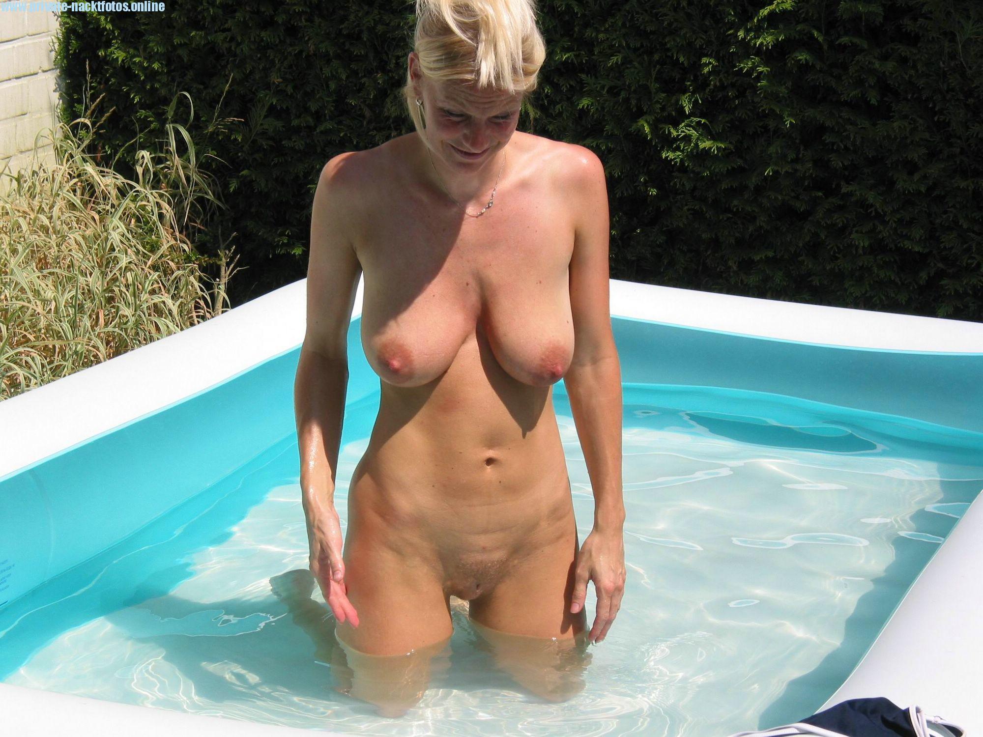 Nackt fotos milf Free MILF