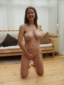 Big Tits Amateur Girl Naked