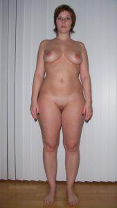 Private Sexfotos Aus Dem Urlaub Freundin Nackt Mit Dickem Arsch 191