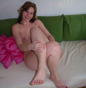 Private Sexfotos Aus Dem Urlaub Freundin Nackt Mit Dickem Arsch 68