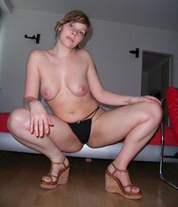 Private Sexfotos Aus Dem Urlaub Freundin Nackt Mit Dickem Arsch 72