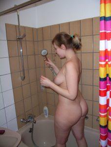 Private Sexfotos Aus Dem Urlaub Freundin Nackt Mit Dickem Arsch 98
