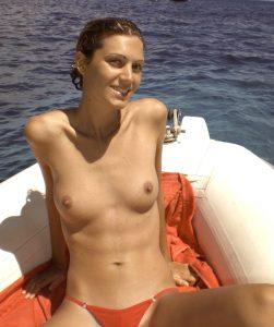 Exfreundin Im Urlaub Oben Ohne Auf Der Yacht