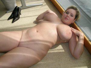 Mollige Ehefrau Nacktfoto