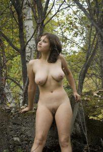 Im Wald Nackt