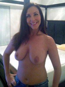 Privates Tittenfoto Von Meiner Frau
