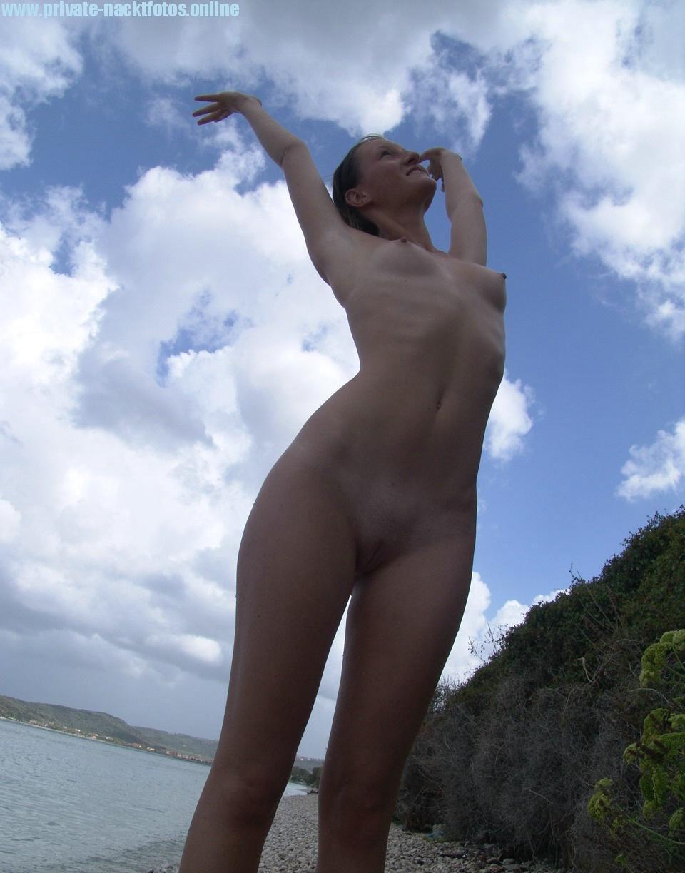 Am Strand Nackt Die Freundin Fotografiert