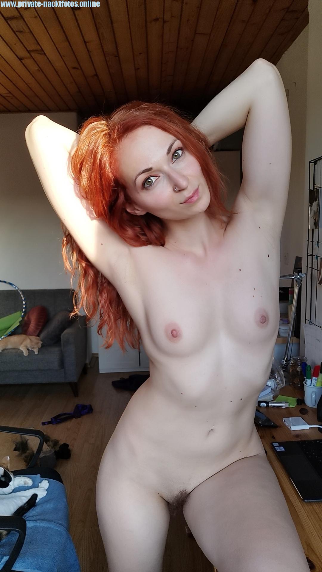 Rothaarige Exfreindin Nacktbild