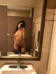 Selfie Nackt Im Spiegel Frau Sexy
