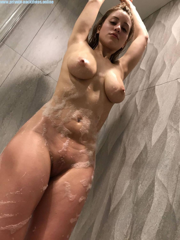 Melissa Nackt Beim Duschen Sexy Freundin