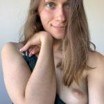 Freundin Annette Zeigt Ihre Brust
